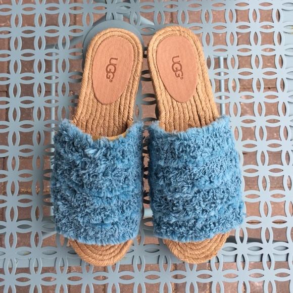7d6cae74292 Ugg Edith Surf Slide Sandal - Aqua NWT